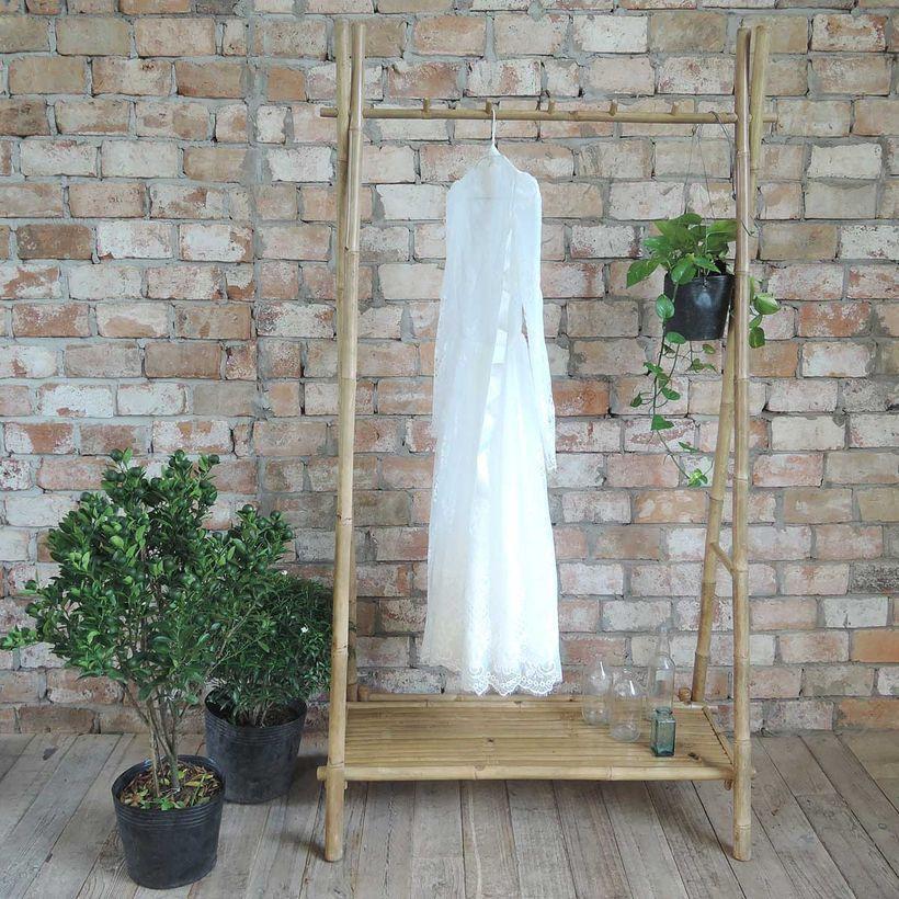 portant à vêtements avec étagère en bambou