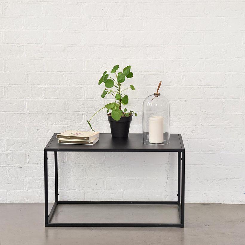 Table basse rectangulaire en métal noir mat