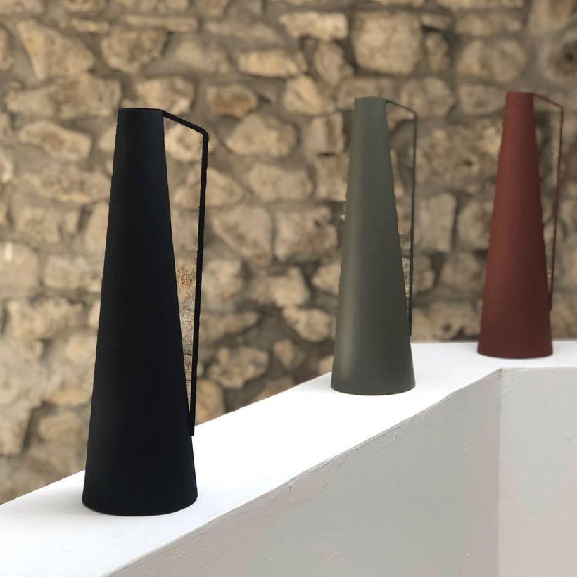 Vase conique à anse en métal noir Tosca Passage Vernet