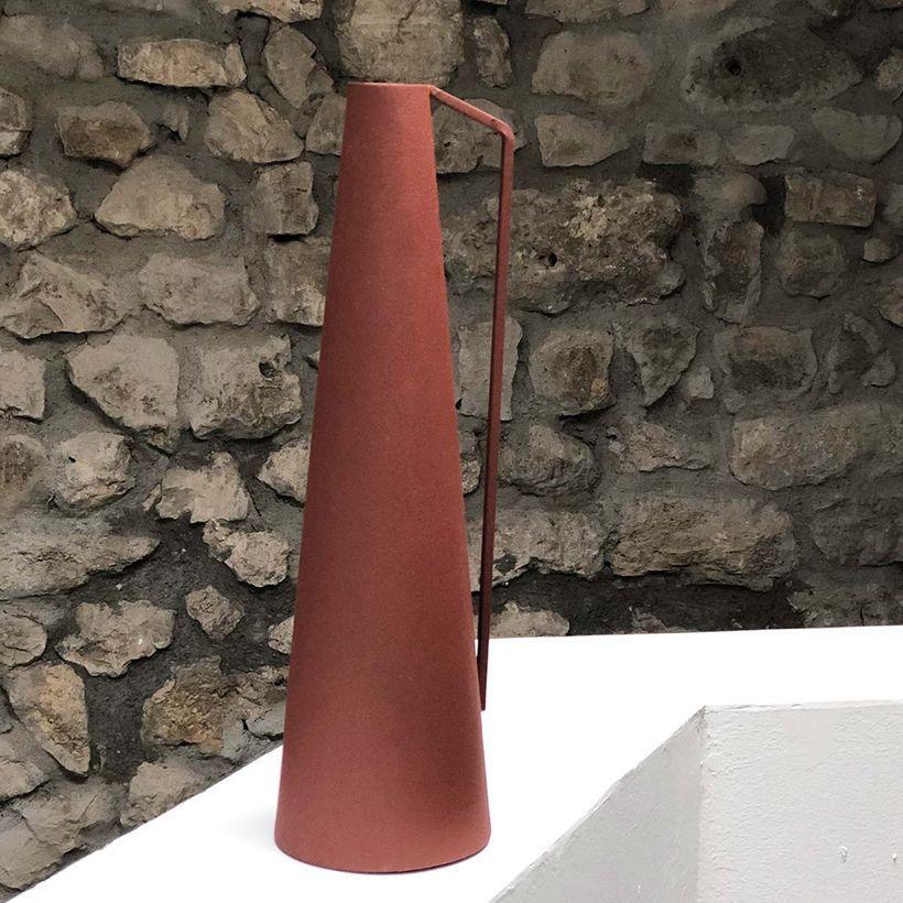 Vase conique à anse métal terracotta