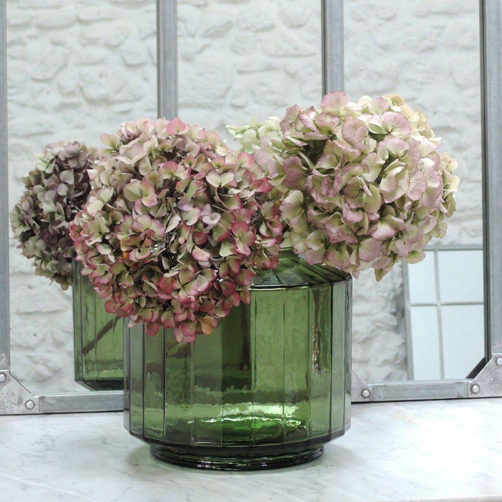 Aux couleurs de l'automne - Vase façon bonbonnière facetté en verre recyclé vert olive